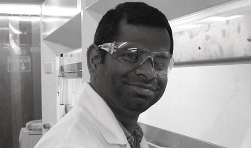 Dr Tamil Velusamy